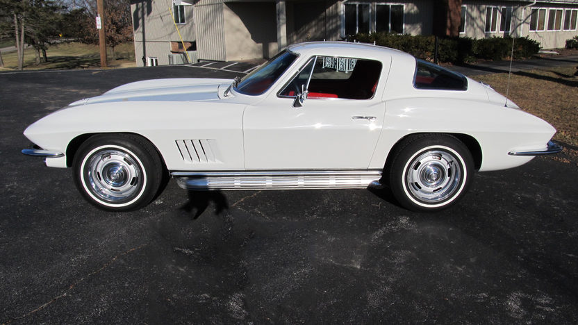 1967 Chevrolet Corvette Coupe 327/300 HP, Automatic presented as lot F99 at Kissimmee, FL 2013 - image2