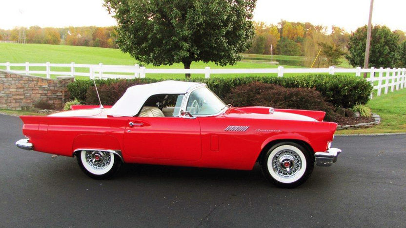1957 Ford Thunderbird 312 CI presented as lot F121 at Kissimmee, FL 2013 - image2