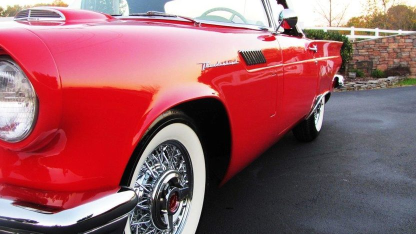 1957 Ford Thunderbird 312 CI presented as lot F121 at Kissimmee, FL 2013 - image5