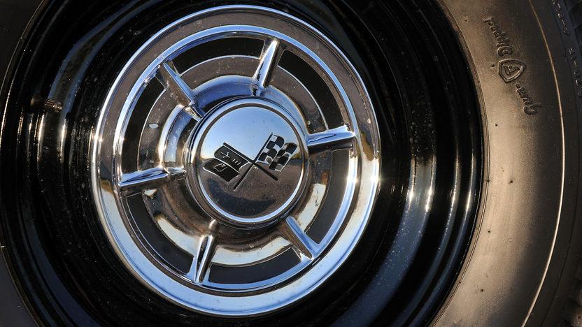 1962 Chevrolet Corvette Big Brake Tanker 327/360 HP, 24K Gold, Triple Crown presented as lot F245 at Kissimmee, FL 2013 - image8