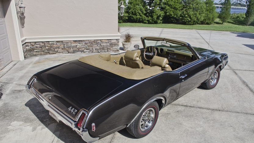 1969 Oldsmobile 442 W-30 Convertible Original Engine and 4-Speed presented as lot F265 at Kissimmee, FL 2013 - image2