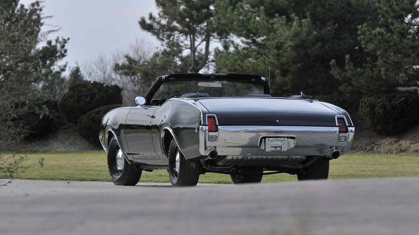 1969 Oldsmobile 442 Convertible 400 CI, 4-Speed, Factory Air presented as lot F282 at Kissimmee, FL 2013 - image3