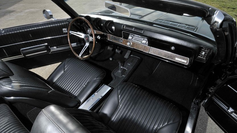 1969 Oldsmobile 442 Convertible 400 CI, 4-Speed, Factory Air presented as lot F282 at Kissimmee, FL 2013 - image5
