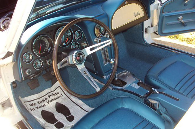 1967 Chevrolet Corvette Coupe 427/435 HP, 4-Speed, NCRS Top Flight presented as lot F310 at Kissimmee, FL 2013 - image3