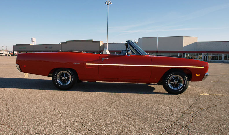 1970 Plymouth Road Runner Convertible 383 CI, Frame-off Restoration presented as lot F336 at Kissimmee, FL 2013 - image2