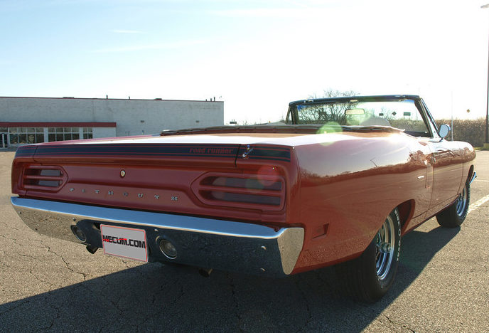 1970 Plymouth Road Runner Convertible 383 CI, Frame-off Restoration presented as lot F336 at Kissimmee, FL 2013 - image3