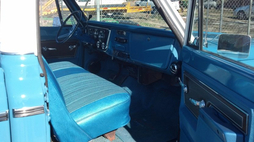 1972 Chevrolet Cheyenne Pickup 350/350 HP, Automatic presented as lot S37 at Kissimmee, FL 2013 - image5
