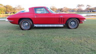 1966 Chevrolet Corvette Coupe 427/390 HP, 4-Speed, GM Brass Hat Car presented as lot S102 at Kissimmee, FL 2013 - thumbail image2