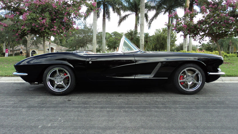 1962 Chevrolet Corvette Resto Mod LS2/405 HP, 6-Speed presented as lot S107 at Kissimmee, FL 2013 - image2