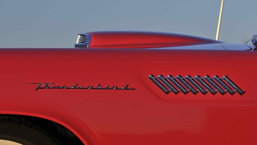 1957 Ford Thunderbird presented as lot S186 at Kissimmee, FL 2013 - image9