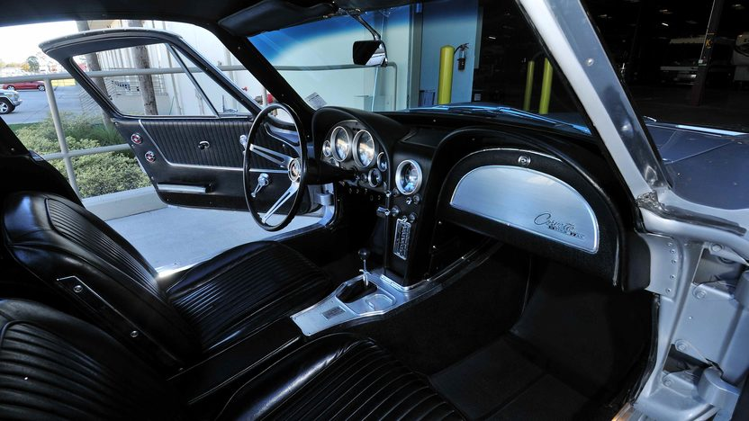 1963 Chevrolet Corvette Split Window Coupe 327/360 HP, Fuel Injection presented as lot S247 at Kissimmee, FL 2013 - image5