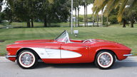 1961 Chevrolet Corvette Convertible 350 CI, 4-Speed presented as lot S275 at Kissimmee, FL 2013 - thumbail image5