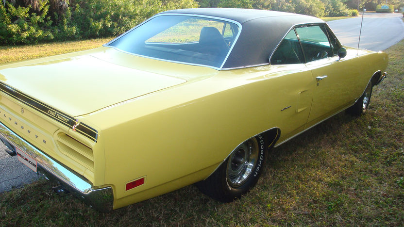 1970 Plymouth Road Runner 383/335 HP, 4-Speed presented as lot J57 at Kissimmee, FL 2013 - image2