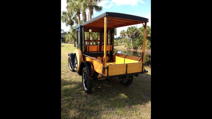 1926 Ford Model T Huckster presented as lot J82 at Kissimmee, FL 2013 - image3