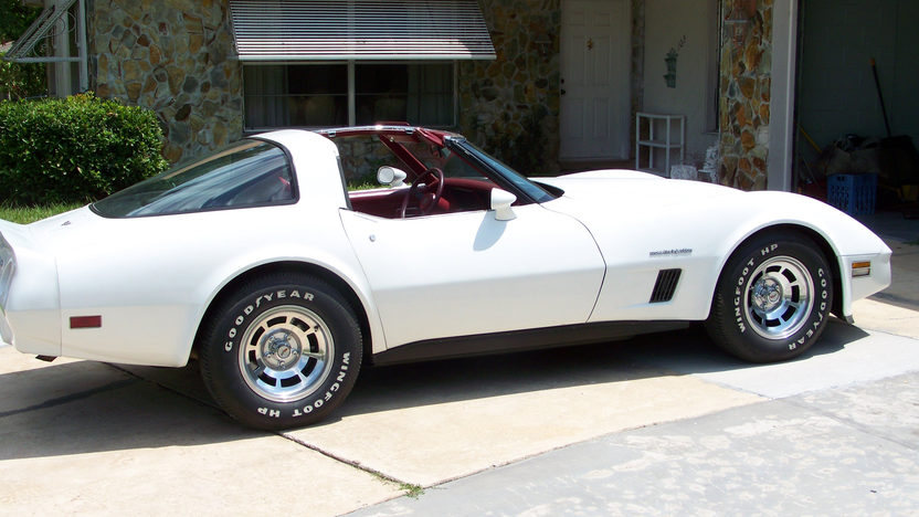 1982 Chevrolet Corvette Coupe 5.7L, Automatic presented as lot J126 at Kissimmee, FL 2013 - image2