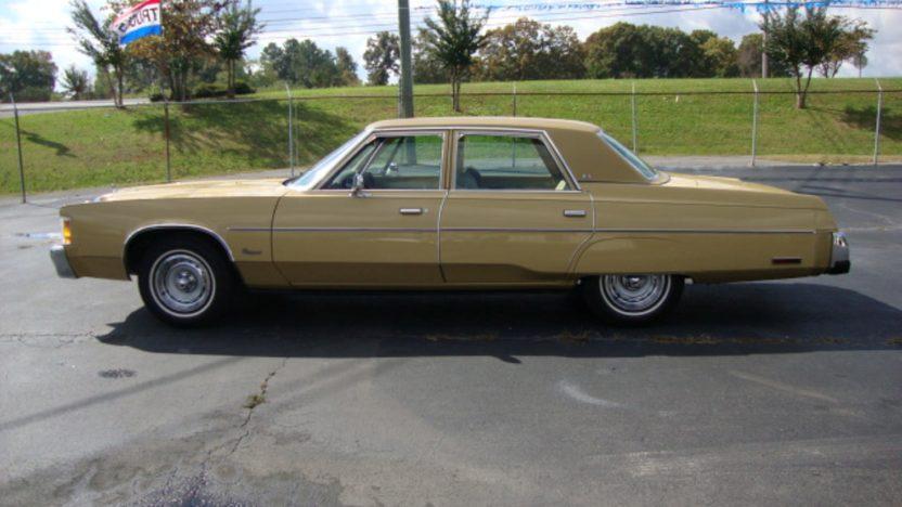 1977 Chrysler Newport 4-Door presented as lot J128 at Kissimmee, FL 2013 - image2