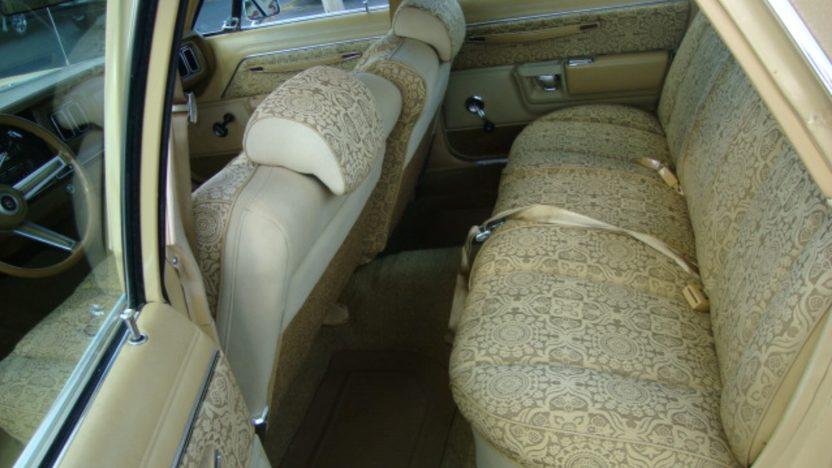1977 Chrysler Newport 4-Door presented as lot J128 at Kissimmee, FL 2013 - image6