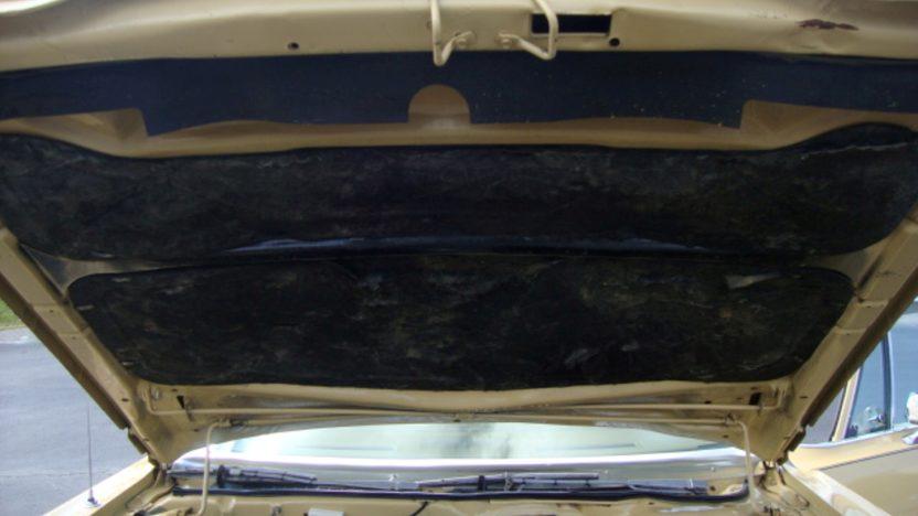 1977 Chrysler Newport 4-Door presented as lot J128 at Kissimmee, FL 2013 - image8