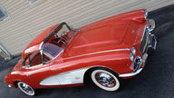 1961 Chevrolet Corvette Convertible 283/315 HP presented as lot J153 at Kissimmee, FL 2013 - thumbail image7