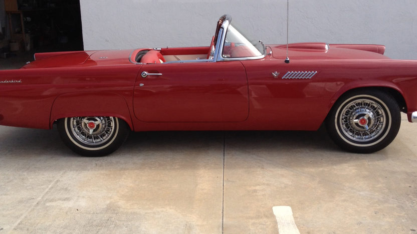 1955 Ford Thunderbird presented as lot J171 at Kissimmee, FL 2013 - image2