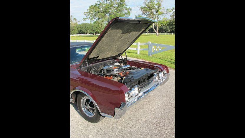 1967 Oldsmobile 442 Convertible 400 CI, Automatic presented as lot K66 at Kissimmee, FL 2013 - image7