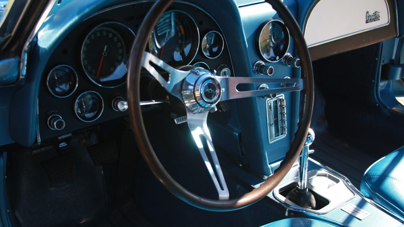 1966 Chevrolet Corvette Convertible 327 CI, 4-Speed presented as lot W187 at Kissimmee, FL 2013 - image5