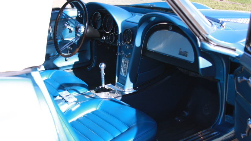 1966 Chevrolet Corvette Convertible 327 CI, 4-Speed presented as lot W187 at Kissimmee, FL 2013 - image6