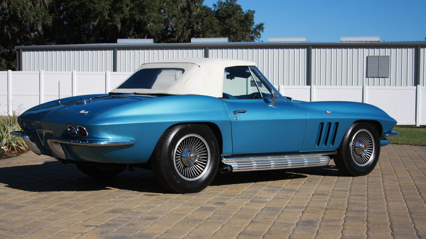 1966 Chevrolet Corvette Convertible 327 CI, 4-Speed presented as lot W187 at Kissimmee, FL 2013 - image9