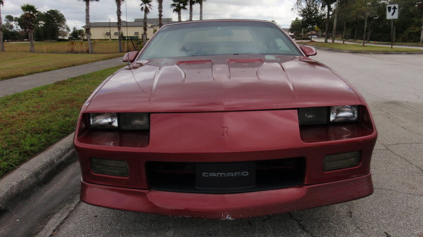 1989 Chevrolet Camaro RS Convertible 305 CI, Automatic presented as lot L34 at Kissimmee, FL 2013 - image5