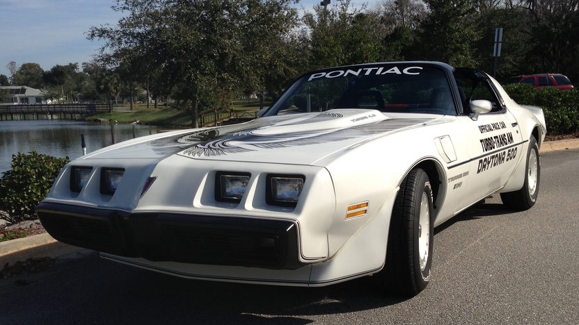 1981 Pontiac Trans Am Pace Car Edition Original and Unrestored presented as lot L140 at Kissimmee, FL 2013 - image8
