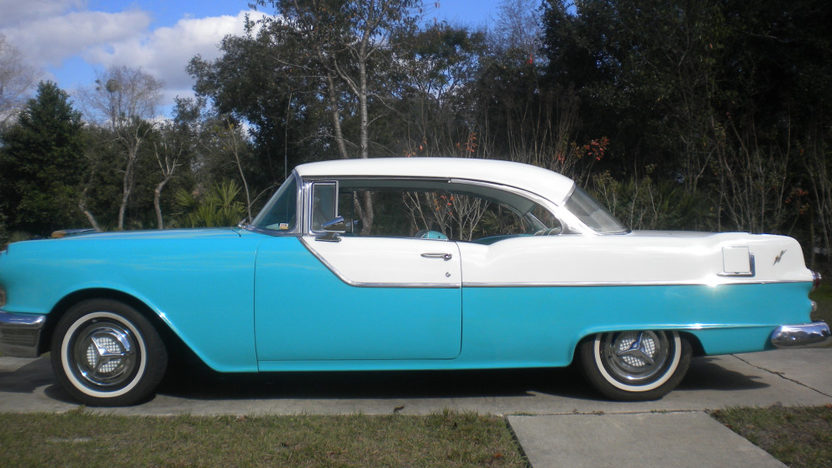 1955 Pontiac Catalina Hardtop presented as lot L216 at Kissimmee, FL 2013 - image2