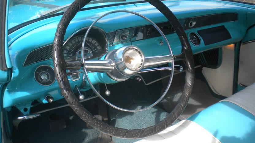 1955 Pontiac Catalina Hardtop presented as lot L216 at Kissimmee, FL 2013 - image4