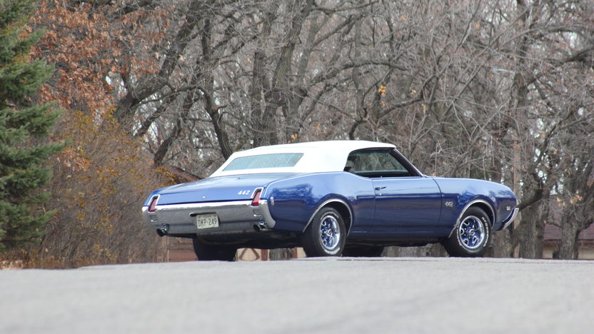 1969 Oldsmobile 442 Convertible 400/355 HP, 4-Speed presented as lot F119.1 at Kissimmee, FL 2013 - image2