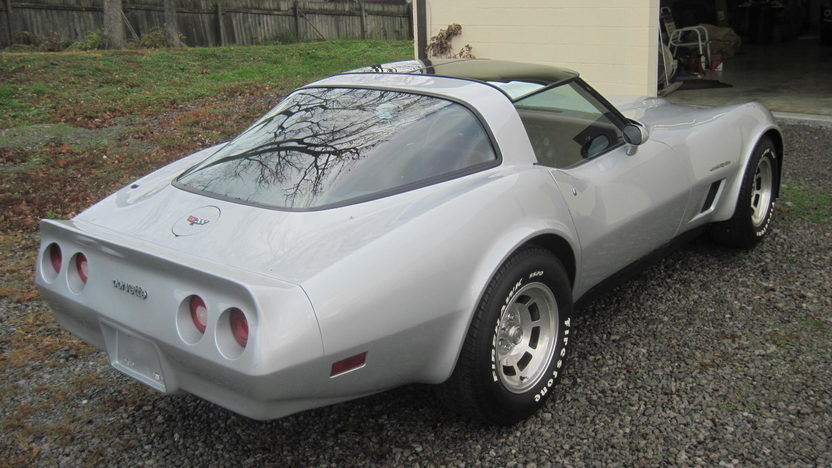 1982 Chevrolet Corvette 350 CI, Automatic presented as lot T121.1 at Kissimmee, FL 2013 - image2