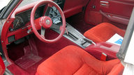 1982 Chevrolet Corvette 350 CI, Automatic presented as lot T121.1 at Kissimmee, FL 2013 - thumbail image3