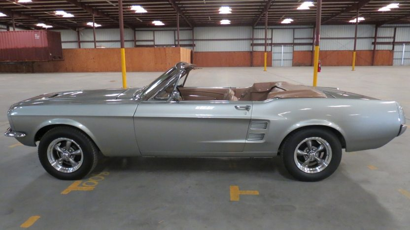 1967 Ford Mustang Convertible 289 CI presented as lot W268.1 at Kissimmee, FL 2013 - image9