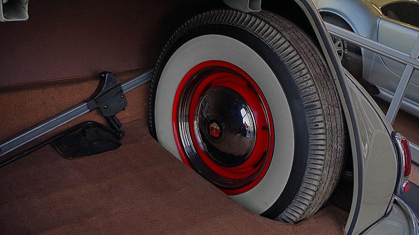 1948 Oldsmobile Dynamic Sedan presented as lot S20.1 at Kissimmee, FL 2013 - image3