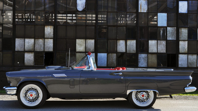 1957 Ford Thunderbird Resto Mod 302/350 HP, Automatic presented as lot T210.1 at Kissimmee, FL 2013 - image2