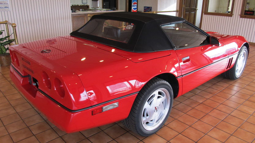 1989 Chevrolet Corvette Contertible 350/245 HP, 6-Speed presented as lot T45.1 at Kissimmee, FL 2013 - image3