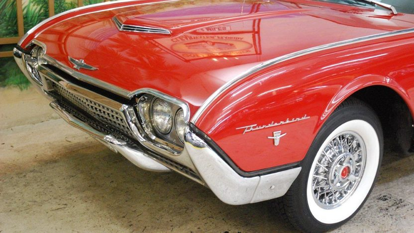 1962 Ford Thunderbird Convertible 390 CI, Automatic presented as lot G237 at Kissimmee, FL 2013 - image10