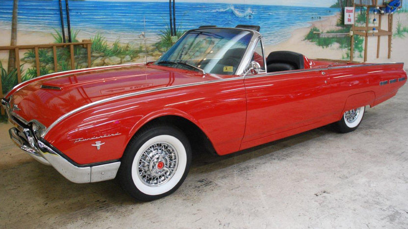 1962 Ford Thunderbird Convertible 390 CI, Automatic presented as lot G237 at Kissimmee, FL 2013 - image12