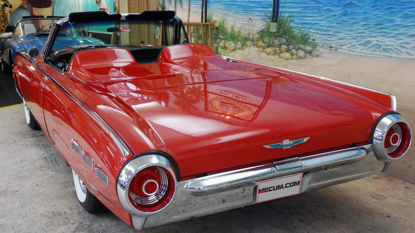 1962 Ford Thunderbird Convertible 390 CI, Automatic presented as lot G237 at Kissimmee, FL 2013 - image3