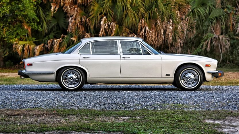 1978 Jaguar XJ6L 4.2L, Automatic presented as lot K1 at Kissimmee, FL 2014 - image2