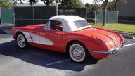 1958 Chevrolet Corvette Convertible 283/230 HP, 4-Speed presented as lot K214 at Kissimmee, FL 2014 - thumbail image6