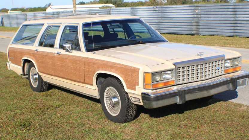 1985 Ford LTD Country Squire Wagon presented as lot L86 at Kissimmee, FL 2014 - image6