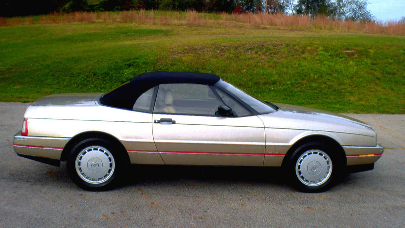 1992 Cadillac Allante presented as lot W92 at Kissimmee, FL 2014 - image2