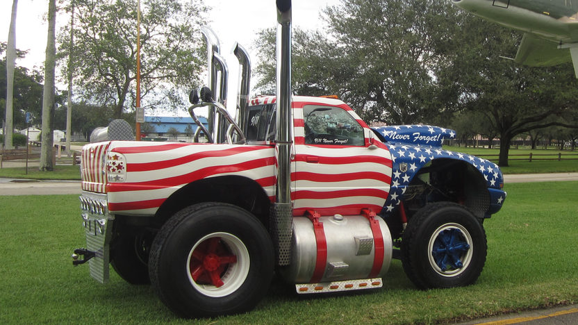 1999 Ford Monster Truck presented as lot T293 at Kissimmee, FL 2014 - image2
