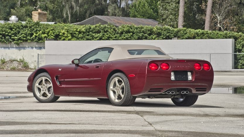 2003 Chevrolet Corvette 50th Anniversary Convertible, 6-Speed, 2 Miles presented as lot S119 at Kissimmee, FL 2014 - image2