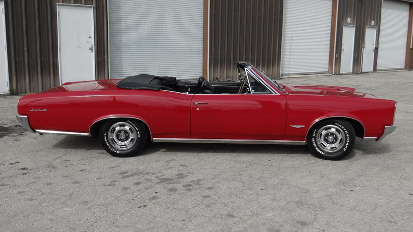 1966 Pontiac GTO Convertible 389 CI, Automatic presented as lot T93 at Kissimmee, FL 2014 - image2