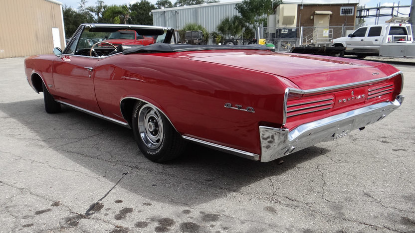 1966 Pontiac GTO Convertible 389 CI, Automatic presented as lot T93 at Kissimmee, FL 2014 - image3